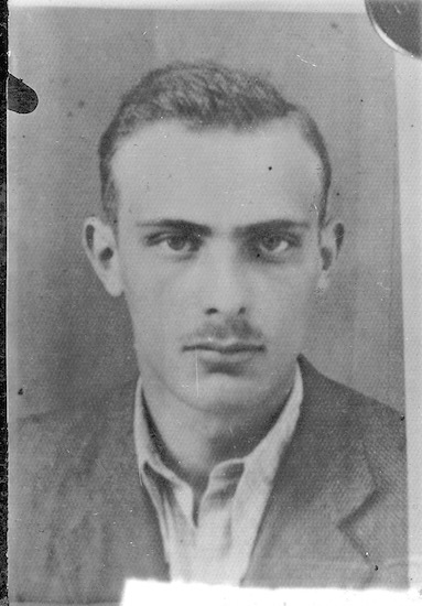 Shmuel Willenberg, 1942. Photo Credit: United States Holocaust Memorial Museum, courtesy of Shmuel and Ada Willenberg