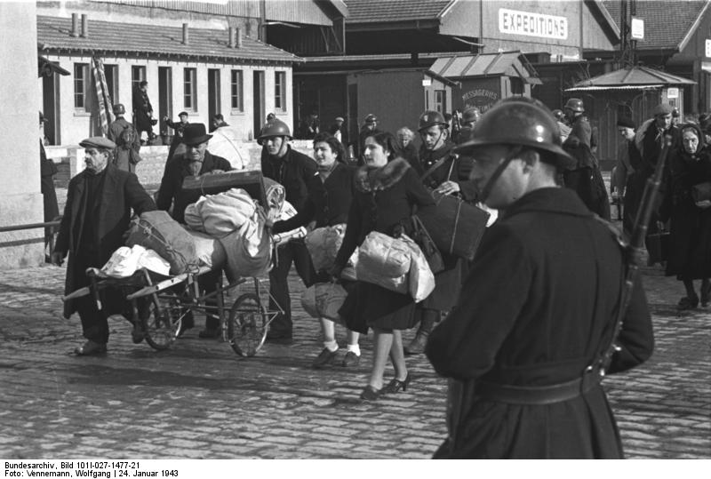 Deportation of Jews from Marseille, France. Bundesarchiv, Bild 101I-027-1477-21 / Vennemann, Wolfgang / CC-BY-SA 3.0 [CC BY-SA 3.0 de (http://creativecommons.org/licenses/by-sa/3.0/de/deed.en)], via Wikimedia Commons.